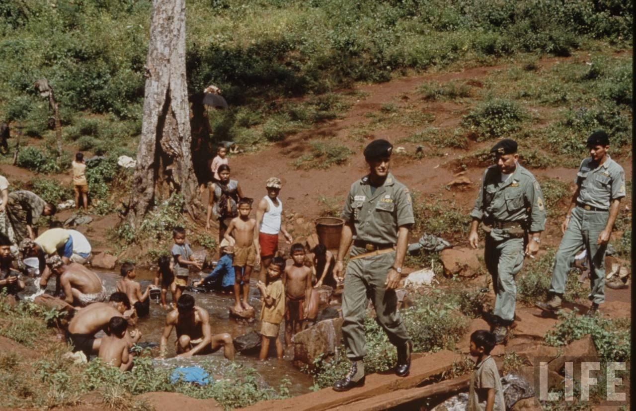 guerre du vietnam - Page 2 Ch_JJ5VJb28