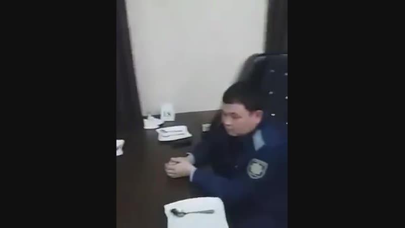 Сотрудники прокуратуры Туркестанской области отдыхают в ресторане в рабочее время