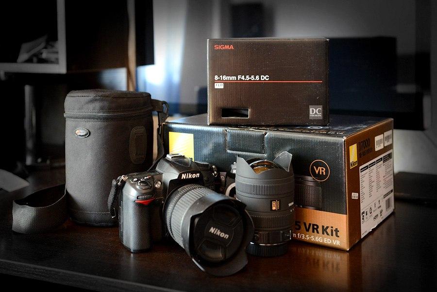 Продам фотокомплект фотоаппарат Nikon D7000 Nikkor 18-105mm Sigma 8-16...