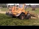 Фронтальный погрузчик Liugong CLG835 работа с сельском хозяйстве