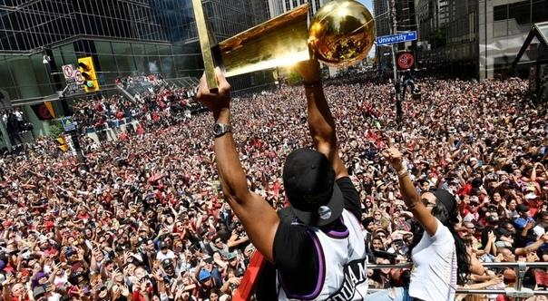 Скариоло — о чемпионском параде в Торонто: это был самый большой парад чемпионов