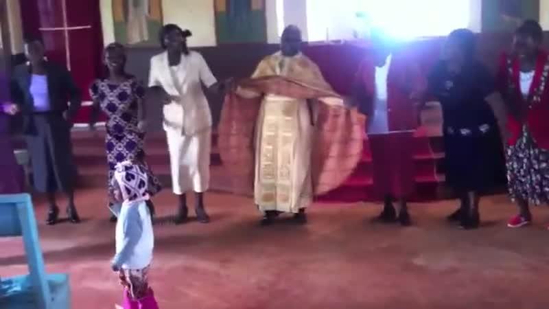 Танцы с батюшкой