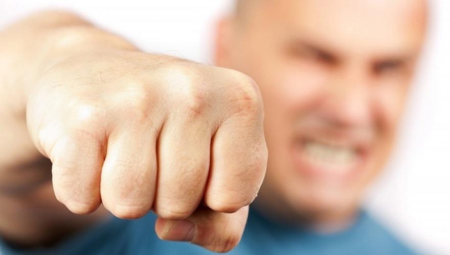 Пенсионер из Козьмодемьянска ударил кулаком по голове полицейского
