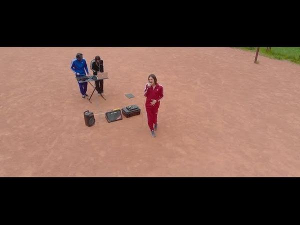 Tsvetochnyui15 - Banana On А Speaker (Blind Tour Session)