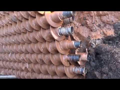 УДВ 25 Процесс бурения скважины шнеком 150мм в гараже и в саду до водоноса