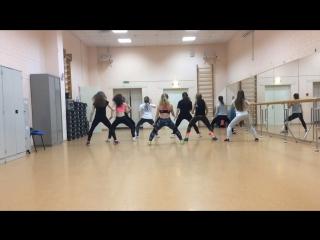 Dancehall под Julz - Go Down