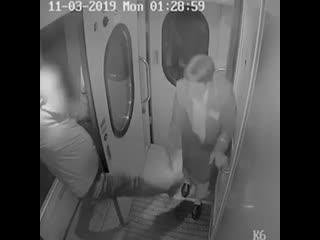 Пьяный пассажир избил начальника поезда Петербург-Вологда