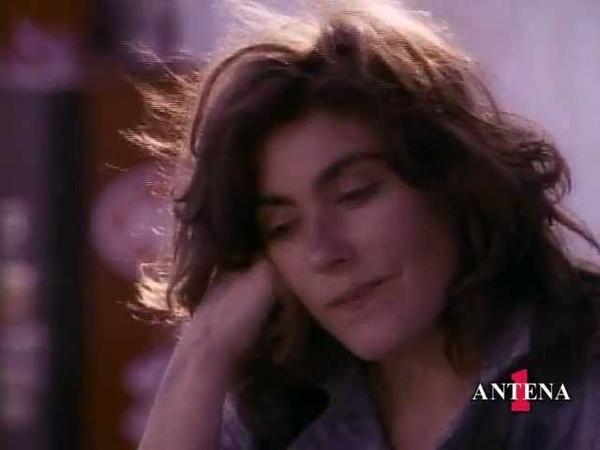 Laura Branigan - The Lucky One (Official Music Video)