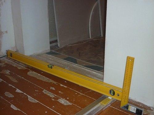 Стелим ламинат на деревянный пол