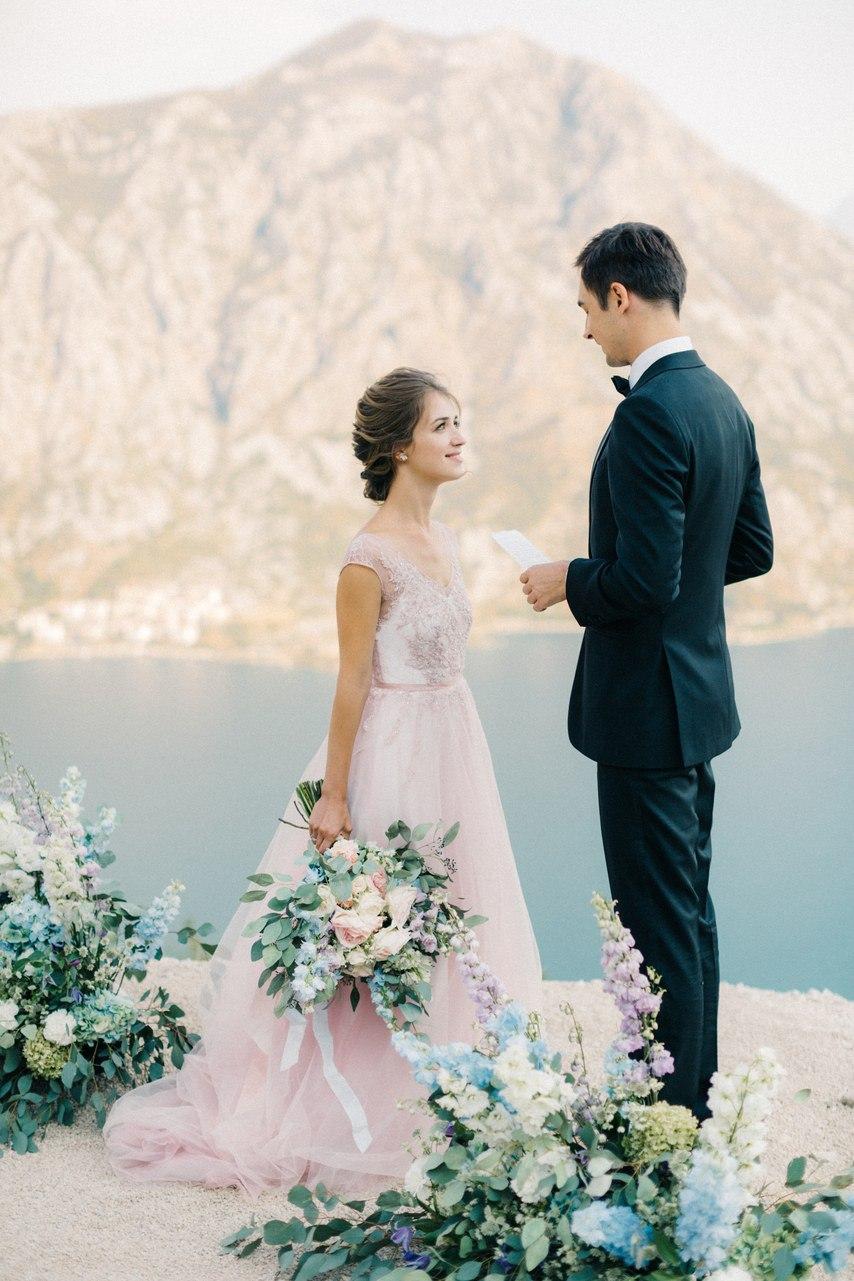 zhbkJbqTqVQ - Цветное платье невесты