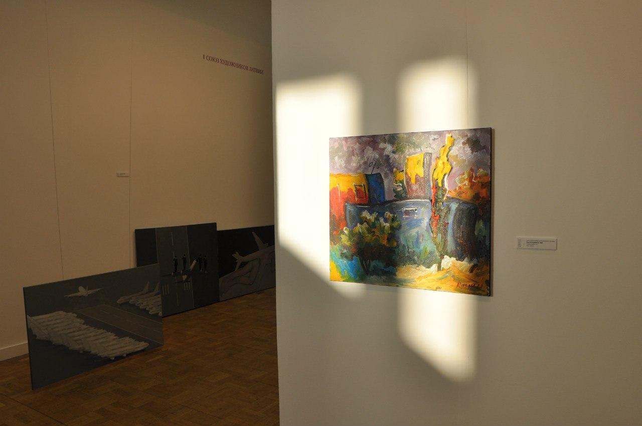 Московский международный художественный салон «ЦДХ-2013»_ Игра света