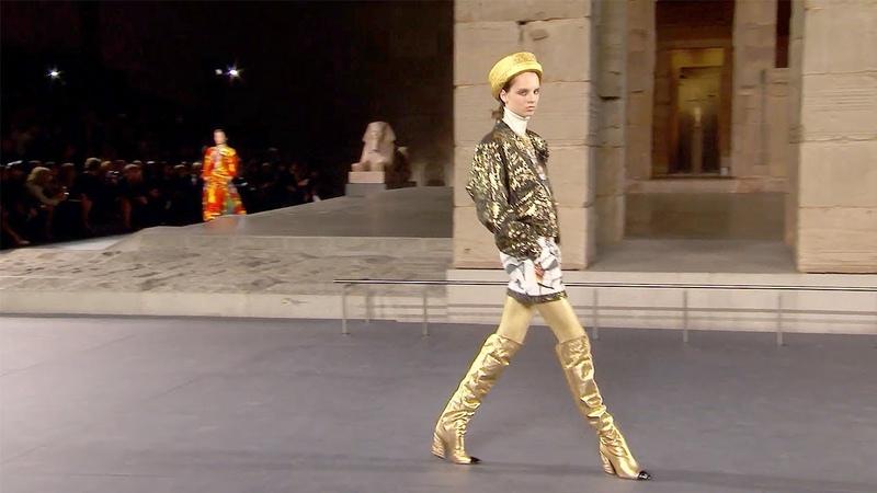 Chanel | Pre-Fall 2018/2019 Full Fashion Show | Exclusive