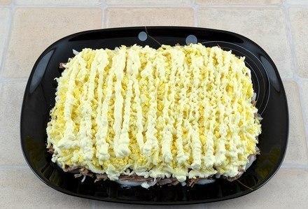 Салат «Мужские грезы» Сытный нежный салат из говядины,