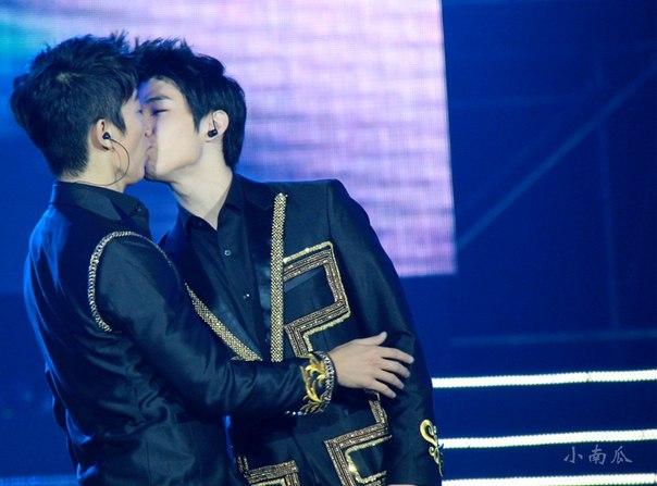 17 eunhyuk sama donghae sering saling gendong menggendong