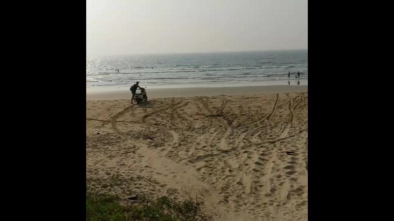 Paradise (Shiroda) Beach by motorbike