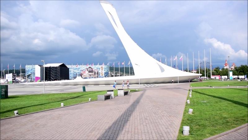 Олимпийский парк. Фонтан - Чаша Олимпийского Огня. Прогулка днем на вело.