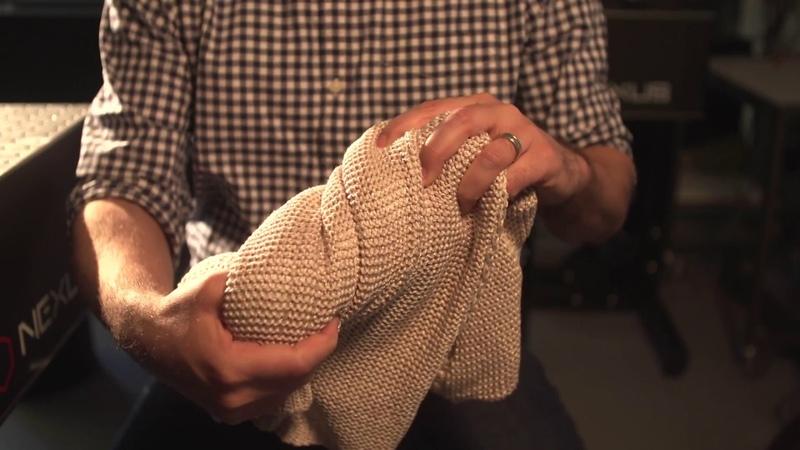 An elastic fiber filled with electrodes set to revolutionize smart clothes