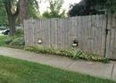 Сосед сделал два окошка для своих собак, чтобы они видели больше, чем двор…