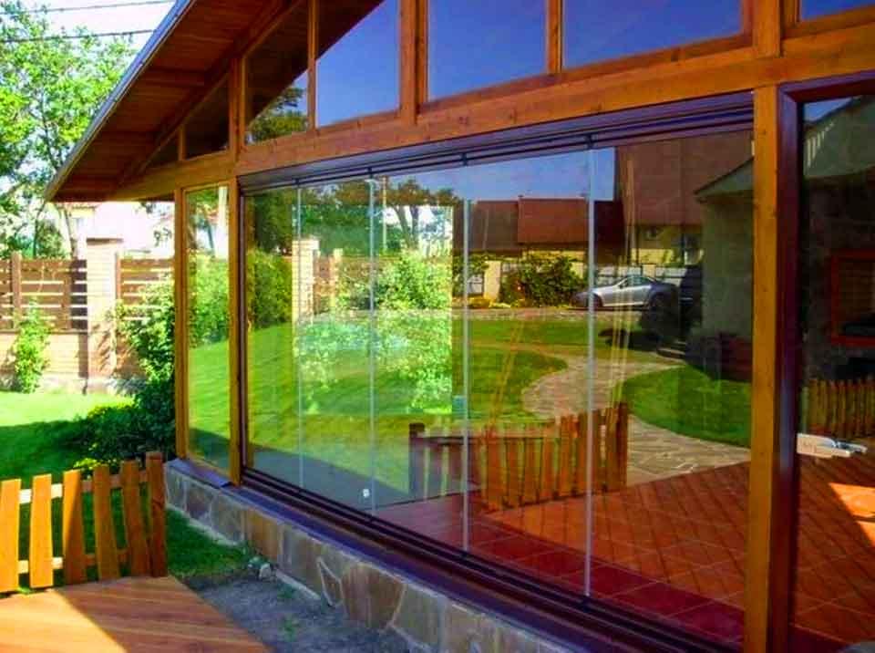 Что такое поликарбонатные окна?