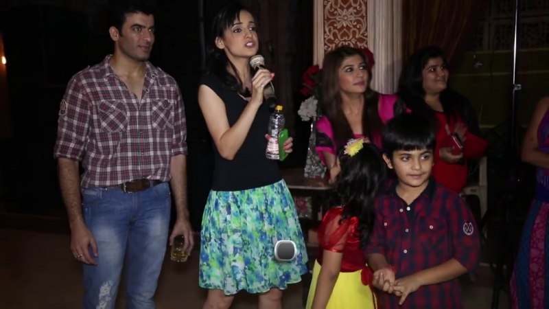 Sanaya Dances At The Wrap Up Party Of Rangrasiya
