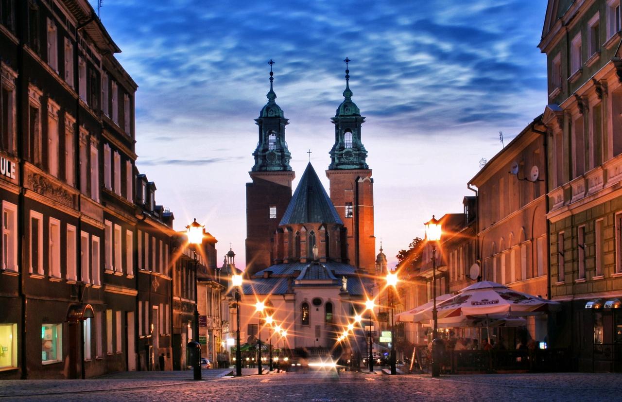xYh79369Vho Гнезно - первая королевская столица Польши.