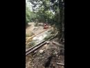 Ведутся строительные работы из за которых лопнула труба с газом и водопроводом по адресу Видовая 4