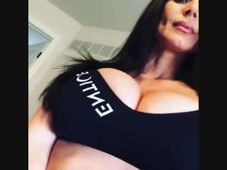 Kendra Lust [Brunette, Milf, Sexy, Hot, Tits, Booty, Boobs]