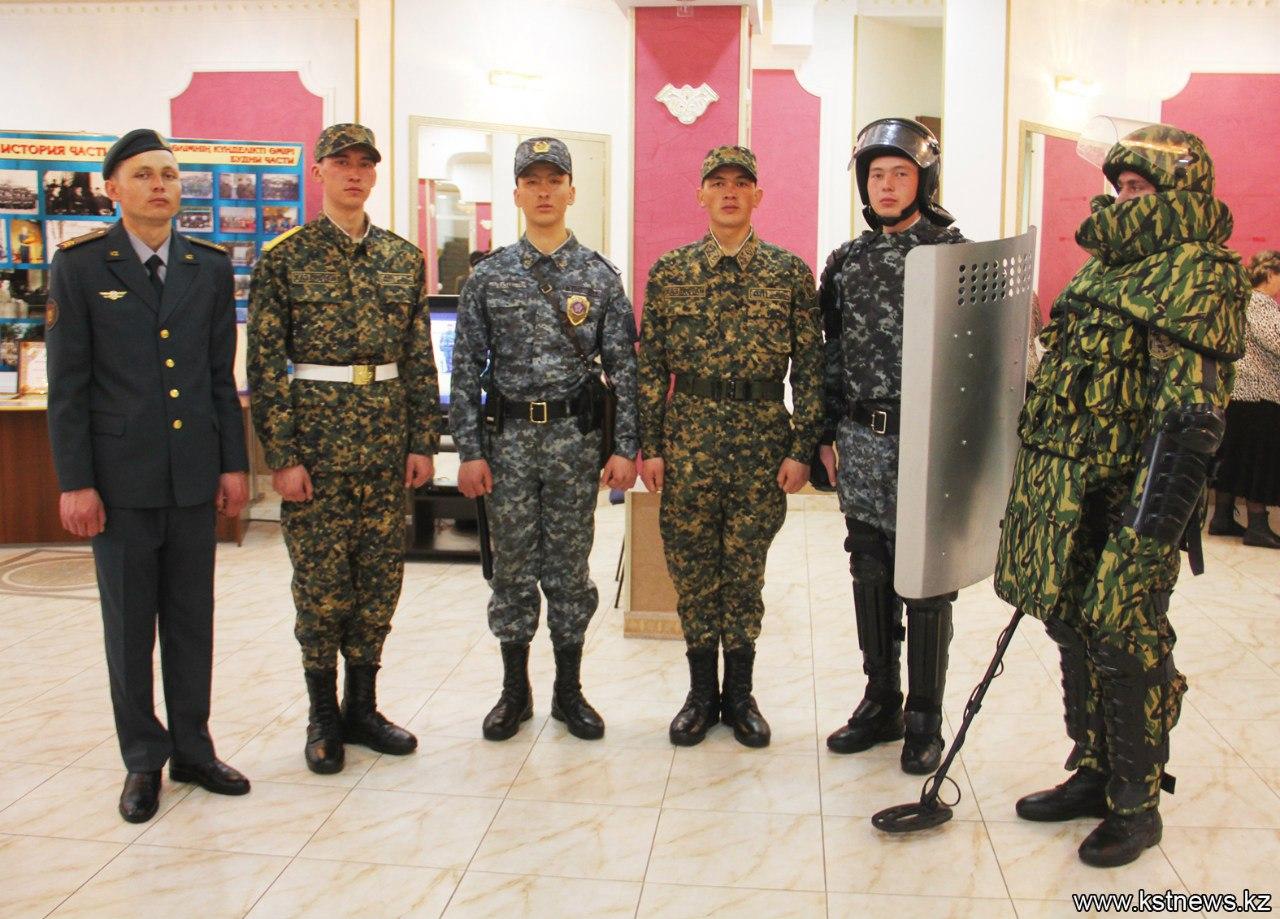 Фото русская девка попала в казарму