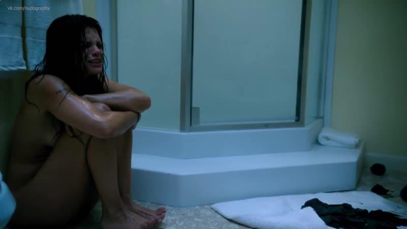 Ванесса Ферлито (Vanessa Ferlito) голая в сериале Грейсленд (Graceland, 2015) - Сезон 3 / Серия 7 (s03e07) HD 1080p