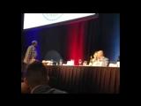 Майк Тайсон облил водой Дон Кинга: скандал в Зале Славы бокса