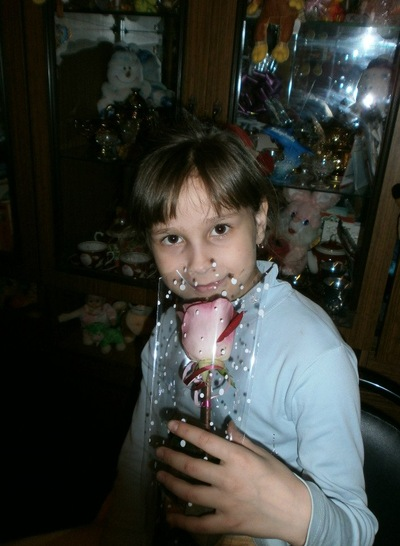 Валя Кротова, 8 апреля 1992, Рыбное, id211921658