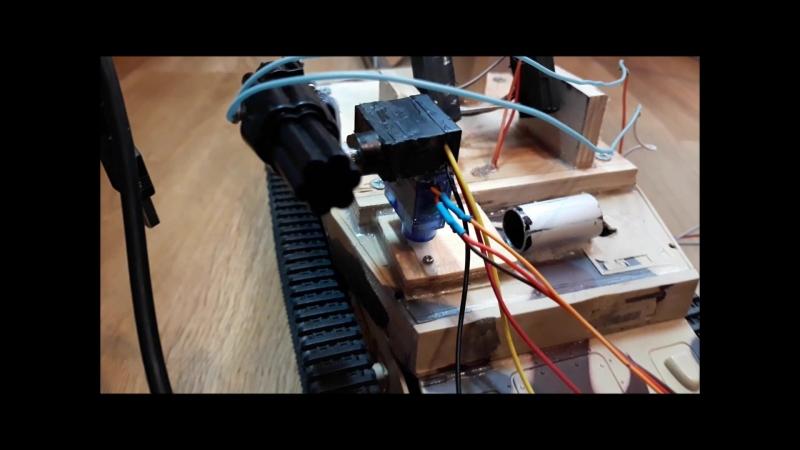 Робот на радиоуправлении (турель).