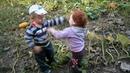 Детский махач. Прикол. Детки дерутся. Funny. Kids fight. 滑稽。孩子們戰鬥。 Децата се бият.