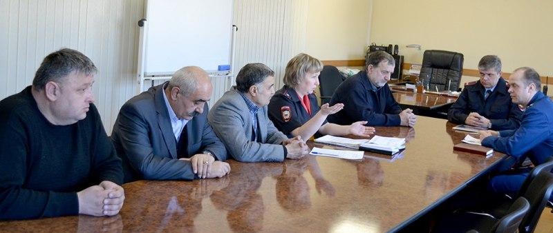 mxRVpYsZ9z0 - В Белово сотрудники правоохранительных органов и представители национальных диаспор обсудили