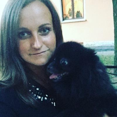 Яна Шарова