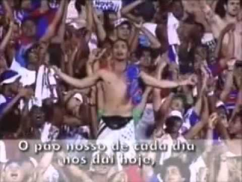 Torcida do Bahia rezando O Pai Nosso no Estádio Pituaço 09 10 10
