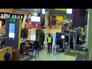 Заезд пьяного лихача по аэропорту Казани (#NR)