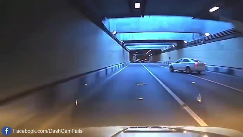 Осторожно идиоты за рулём