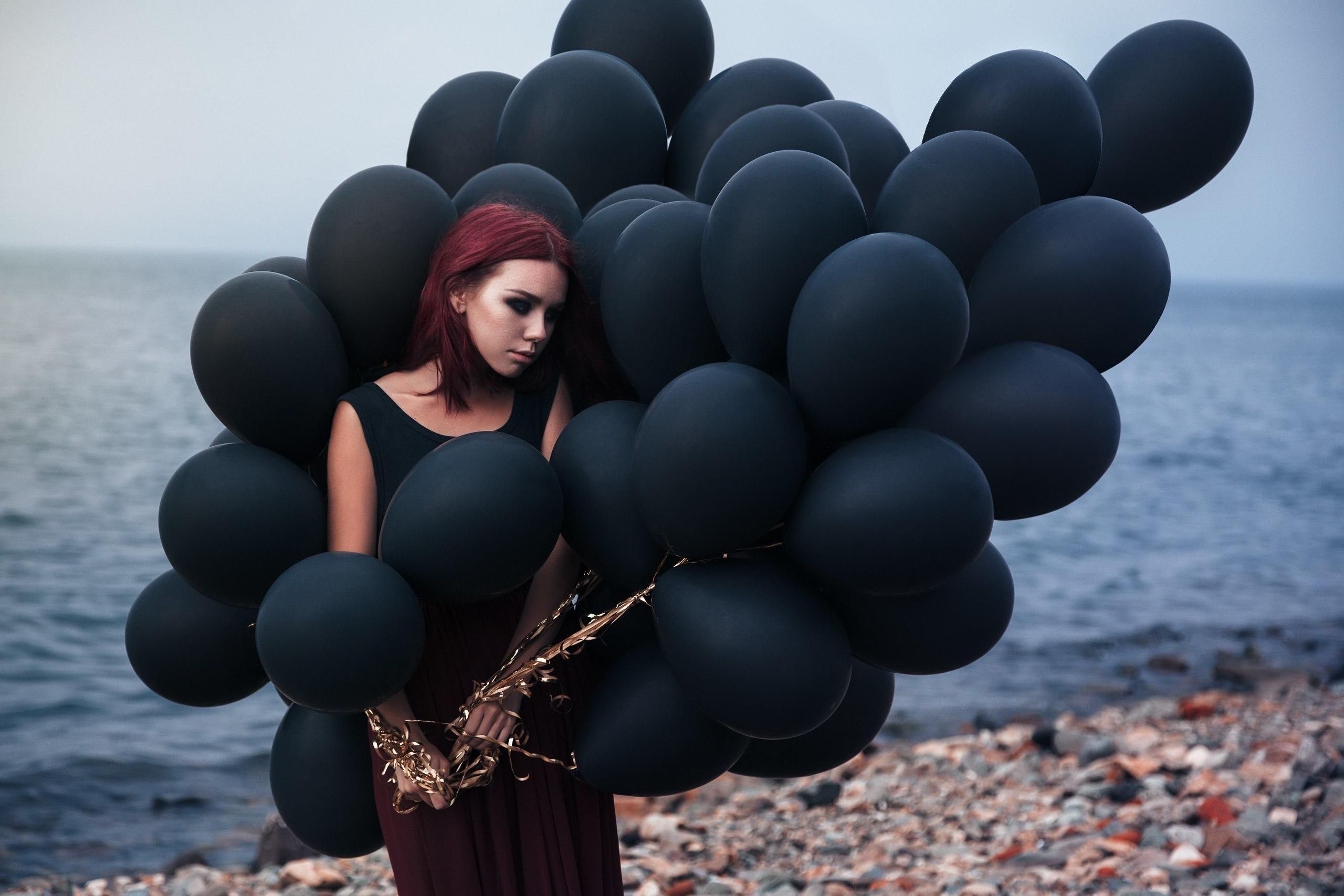 Черные воздушные шары -