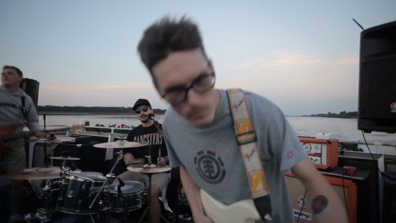 The Cranzers live on punk rock ship requem