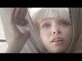 Sia - Chandelier - Live - Maddie Ziegler dances