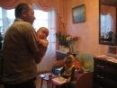 бабушка поёт мои мальчишки и дедушка еще живой...