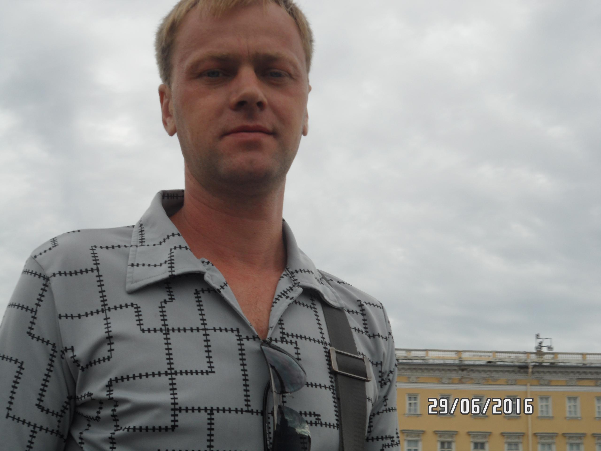 Mihail, 42, Rybinsk