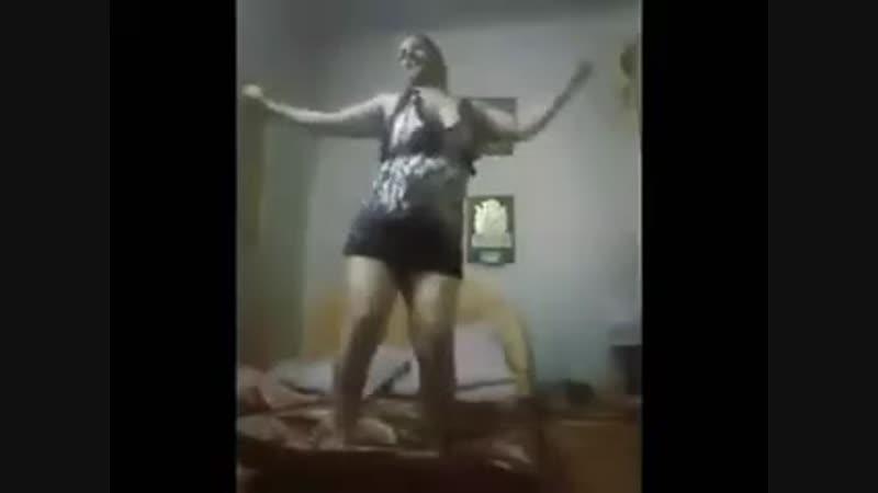 رقص شرقي بغرفه النوم خطير