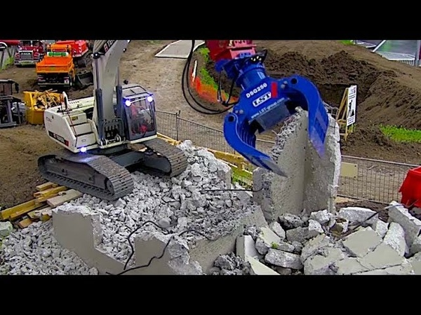RC EXCAVATOR WORKING withn the GRAB - like the real thing