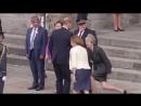 Тереза Мэй напугала принца Уильяма жутким реверансом