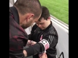 Bonucci returned once again to the boy to give him his captain armband