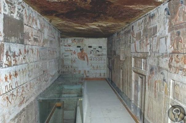 Необычное рисунки из древней гробницы Искусство Древнего Египта подчинялось строгим канонам, и подобная сцена весьма необычна для эпохи пирамид. Древнее царство (26492150 годы до н. э.) оставило