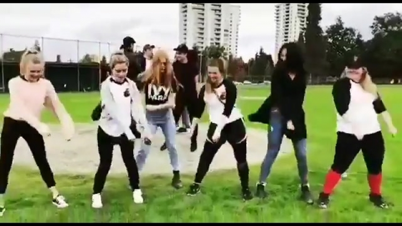 Backpack kid dance by caos cast