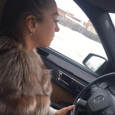 Лариса Бунакова